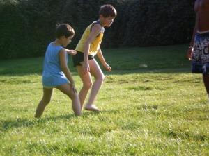 Children practicing capoeira, Görlitzer Park, 22.09.07