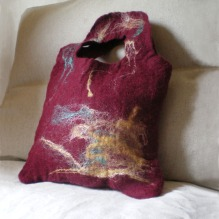 felted bag -darker than red-