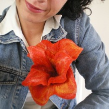 felted flower brooch -wild orchid-