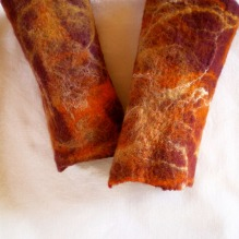 felted wrist warmers -cranberries-