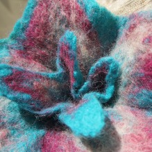 felted flower brooch -A girl like you-