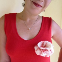 felted flower brooch -White Snow-