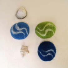 felted pebbles -water-
