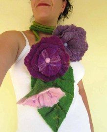 felted flower necklace -divine ecstasy-