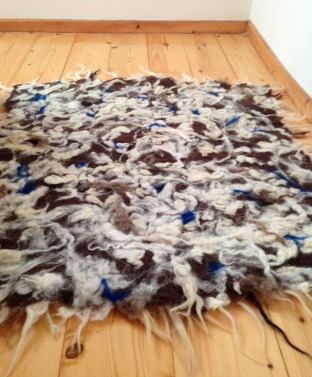 hand felted rug -affogato-