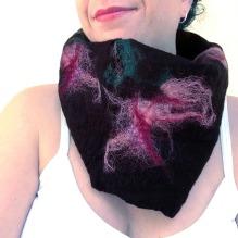felted neck warmer -winter flowers-