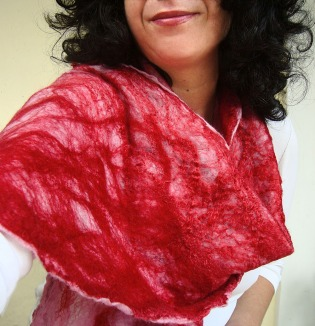 cobweb felted scarf -candy crushed-